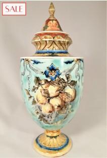 Antique vase with lid, Rozenburg. Antieke dekselvaas, Rozenburg.