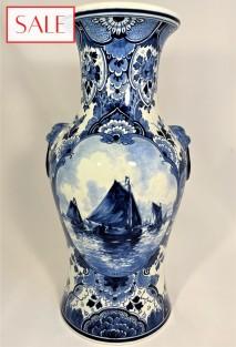 Large vase with boat, Royal Delft. Grote vaas met boot, De Porceleyne Fles.