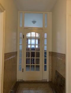 Houten deur/ Wooden door with the glass windows
