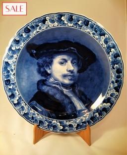 Plate with portrait of Rembrandt van Rijn, Royal Delft. Wandbord zelfportret Rembrandt van Rijn, De Porceleyne Fles.