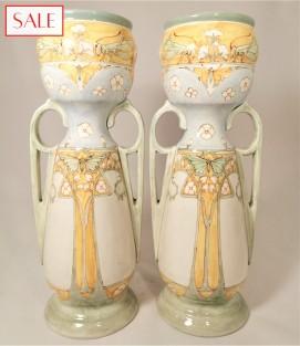 Set of two large vases, Holland Utrecht. Set van twee grote vazen, Holland Utrecht.