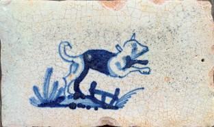 Rand tegel met hond ca. 1625
