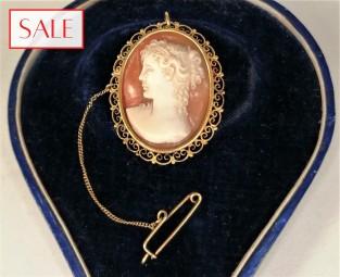 Antique gold 14K cameo broche. Antieke gouden 14K camee broche.