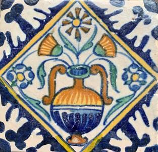 Tegel met een bloempot motief ca. 1625
