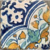 Kleine tegel met 1/4 quatrefoil patroon ca. 1600-1620-20
