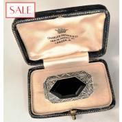 Antique silver brooche with onyx and marcasite. Antieke zilveren broche met onyx en marcasiet.-20
