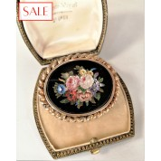 Antique silver brooche with 'pietra dura' flowers . Antieke zilveren broche met 'pietra dura' bloemen.-20