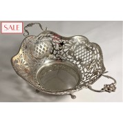 Vintage silver basket with pomegranates. Vintage zilveren mand met granaatappels.-20